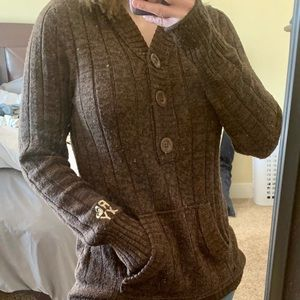 Brown Roxy Sweater fits medium